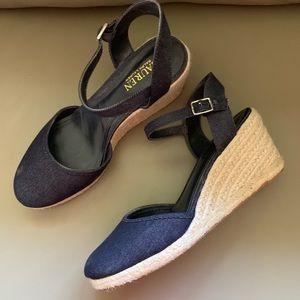 Ralph Lauren Blue Jean Sandle Size 10